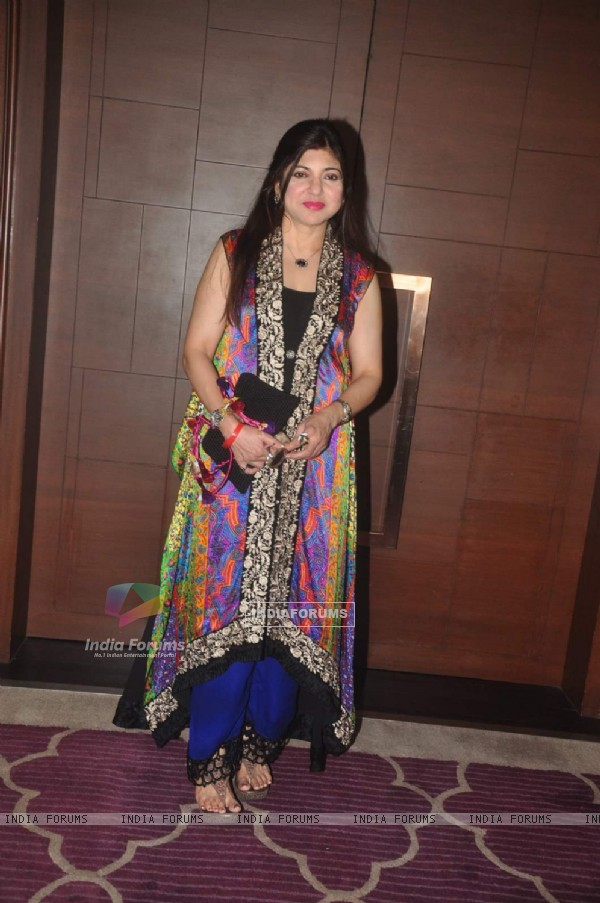 Alka Yagnik poses for the media at GR8 Beti Bash