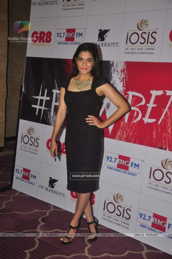 Pooja Gor poses for the media at GR8 Beti Bash