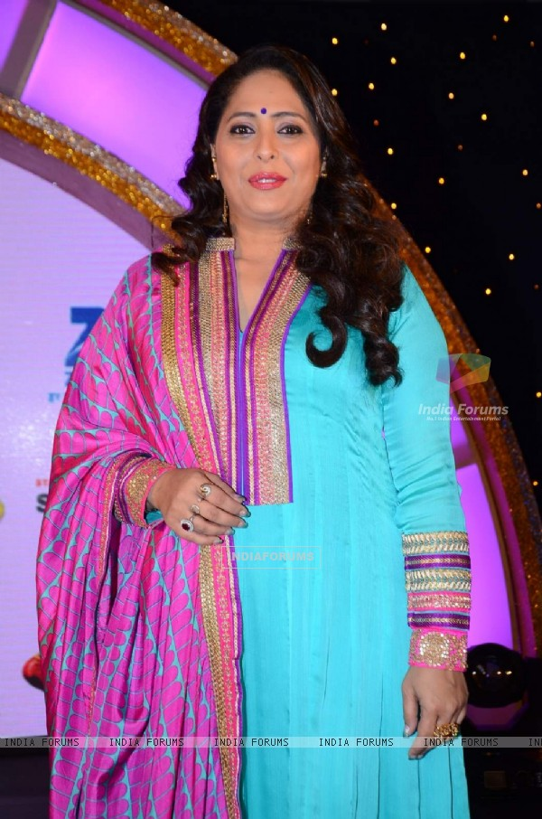 Geeta Kapur poses for the media at the Launch of DID Supermoms Season 2