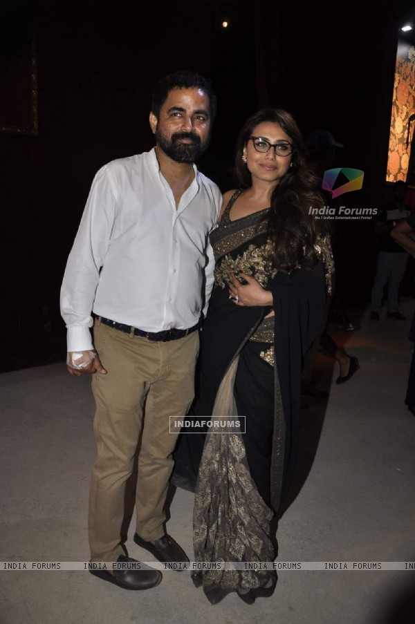 Rani Mukherjee poses with Sabyasachi Mukherjee at LFW Opening Show