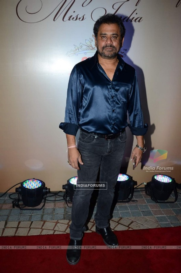 Anees Bazmee poses for the media at Femina Miss India 2015 Bash