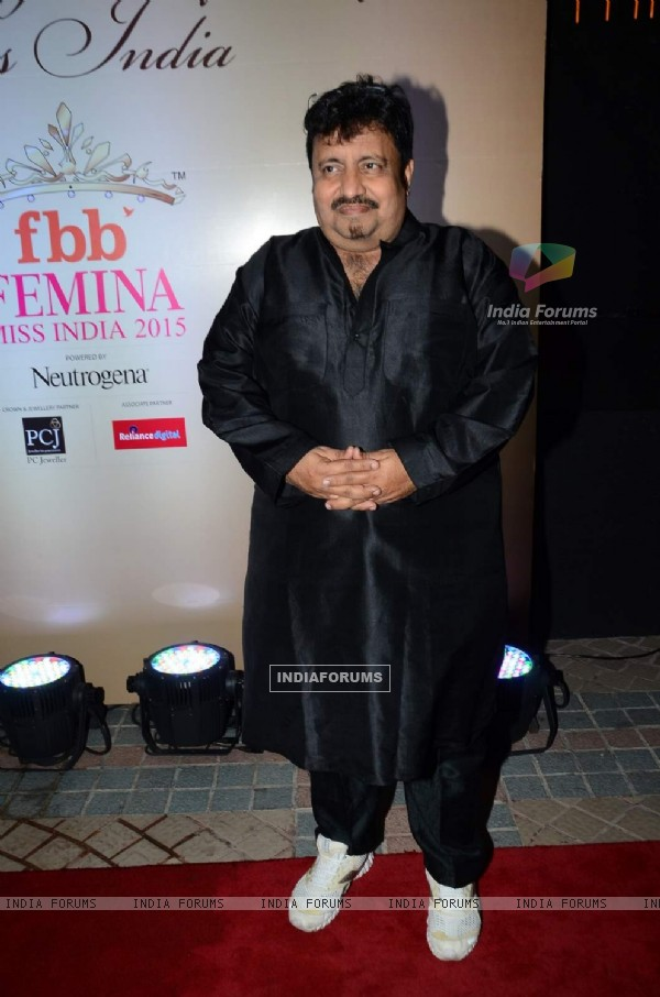 Neeraj Vora poses for the media at Femina Miss India 2015 Bash