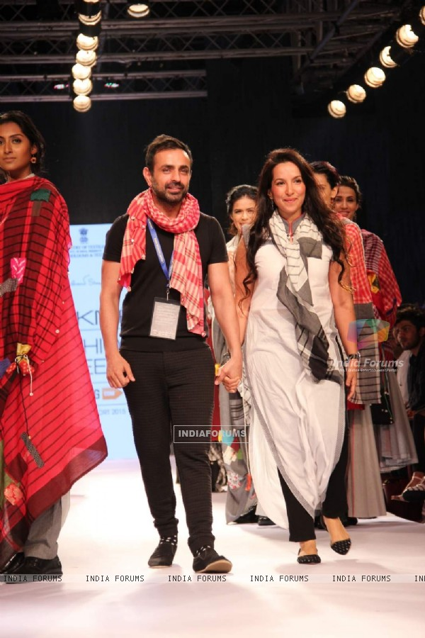 Mayanka Anand and Shraddha Nigam's show at the Lakme Fashion Week 2015 Day 2