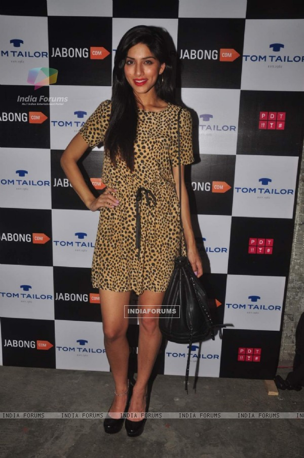 Sapna Pabbi poses  for the media at Tom Tailor and Jabong Bash