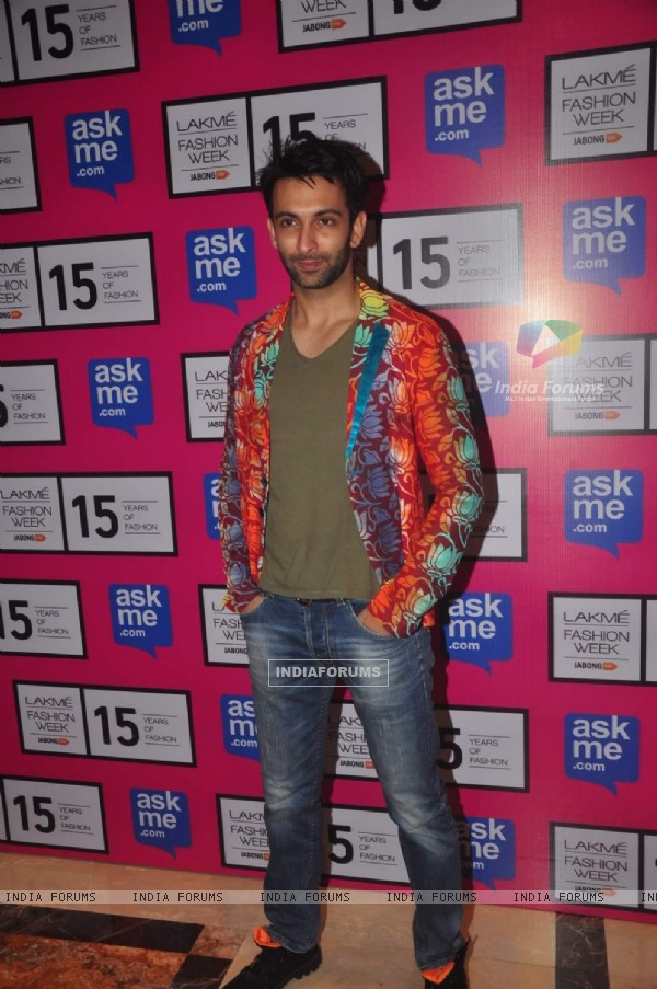 Nandish Sandhu poses for the media at Lakme Fashion Week 2015 Day 3