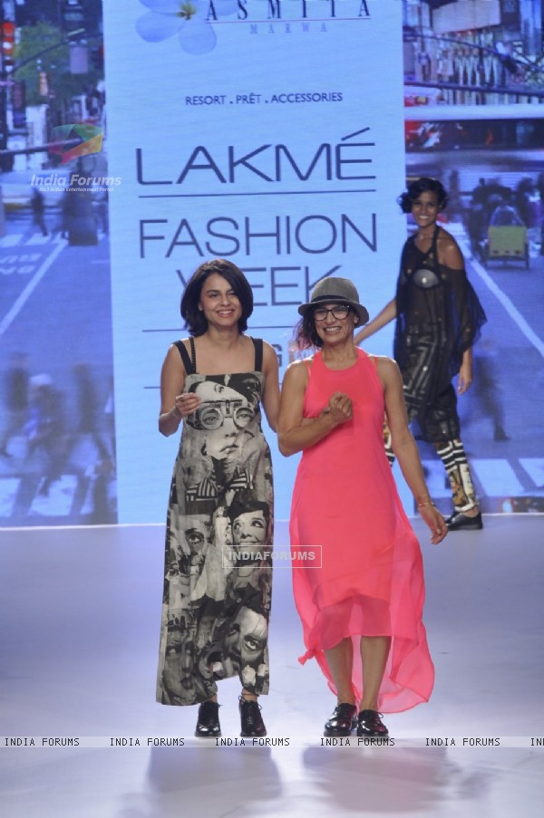 Adhuna Akhtar walks for Asmita Marwa at Lakme Fashion Week 2015 Day 3