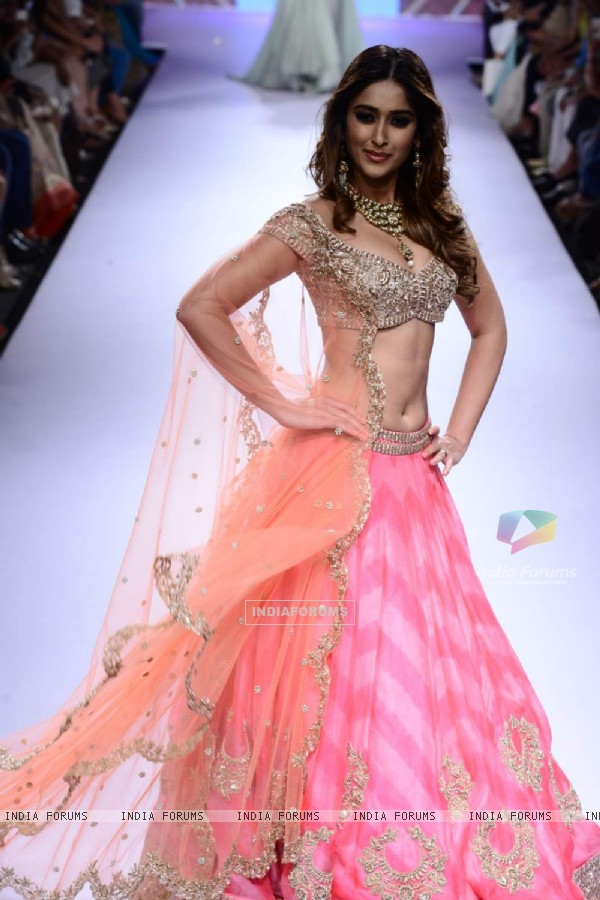 Ileana D'Cruz walks for Anushree Reddy at Lakme Fashion Week 2015 Day 4