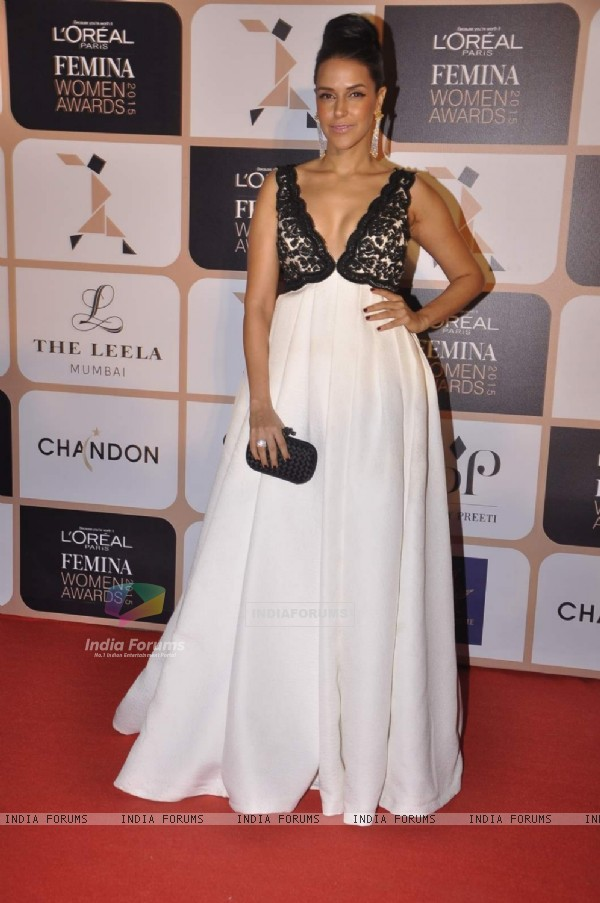 Neha Dhupia poses for the media at L'Oreal Paris Femina Women Awards 2015