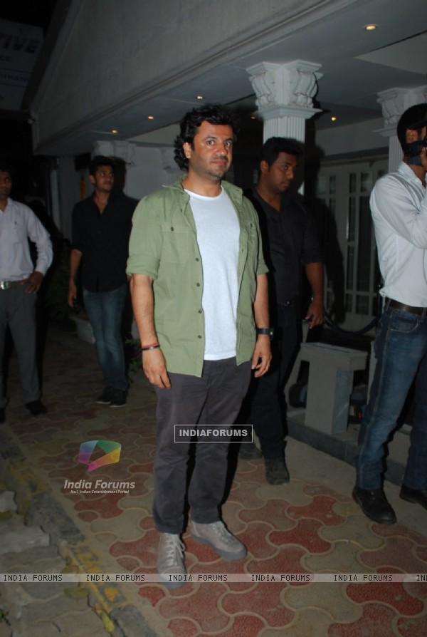 Vikas Bahl at the Success Bash for Haider's National Award