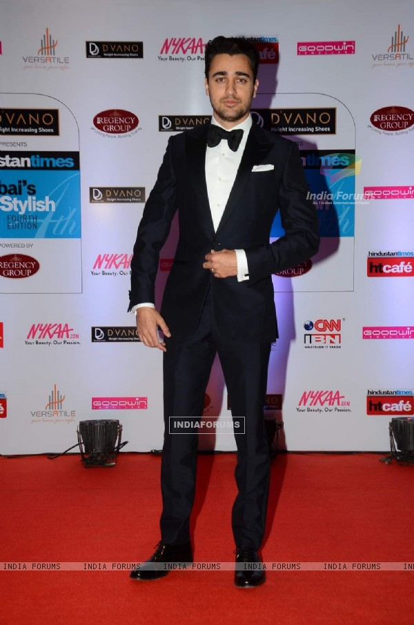Imran Khan poses for the media at HT Style Awards 2015