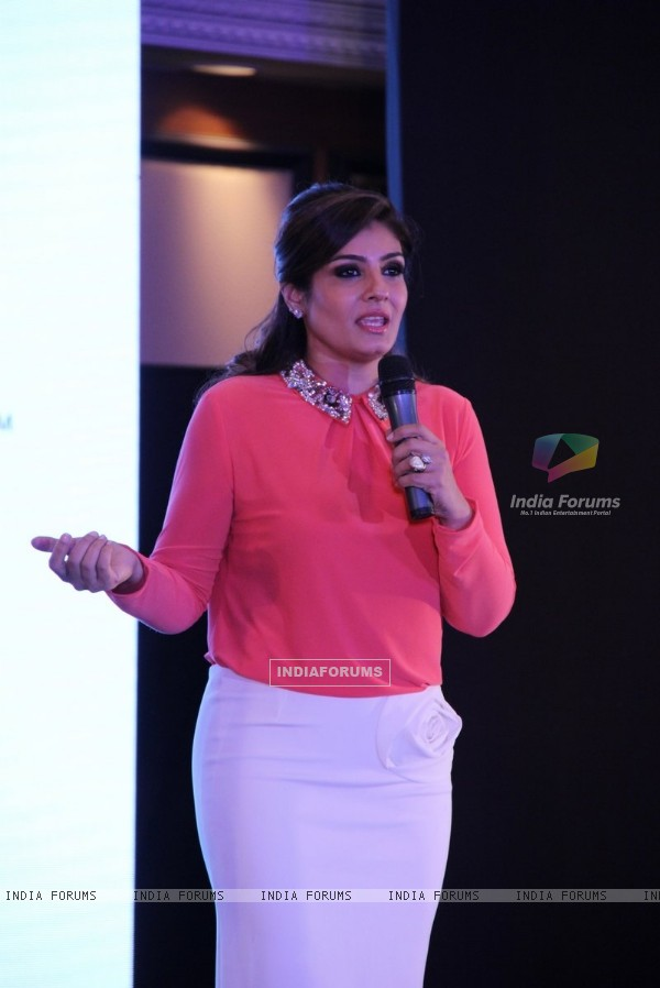 Raveena Tandon interacts with the audience at House Of Napius Event
