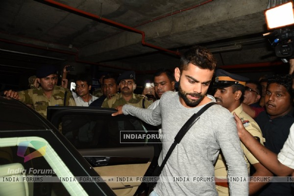 Virat Kohli Snapped at Airport