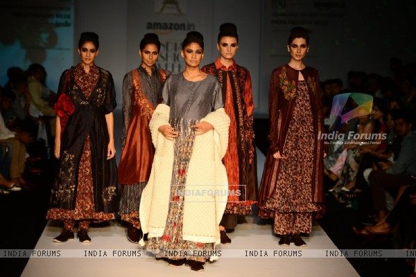 Carol Gracias walks for Pratima Pandey at Amazon India Fashion Week 2015 Day 4