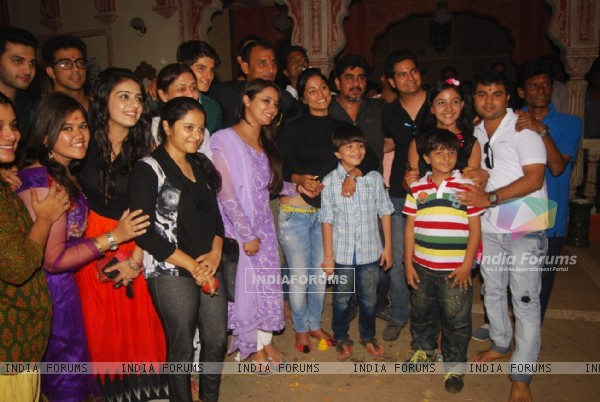 Team of Yeh Rishta Kya Kehlata Hai poses for the media at the Completion of 1700 Episodes