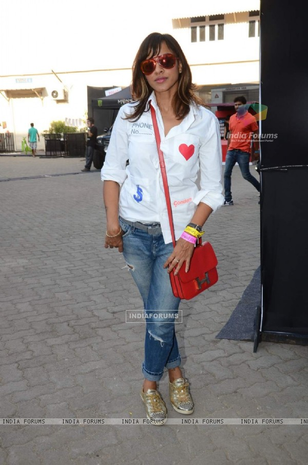 Manasi Scott poses for the media at MTV Indies SPIRO 2015
