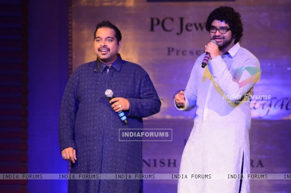 Shankar Mahadevan and Siddharth Mahadevan perform at 'Mijwan-The Legacy' Fashion Show