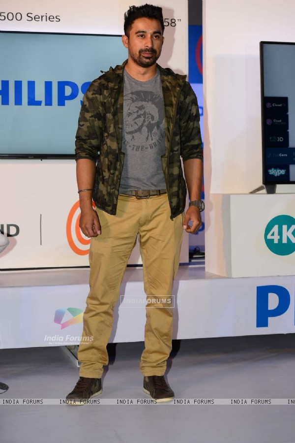 Rannvijay At the Launch of the Latest Philips 4K Ultra HD TV