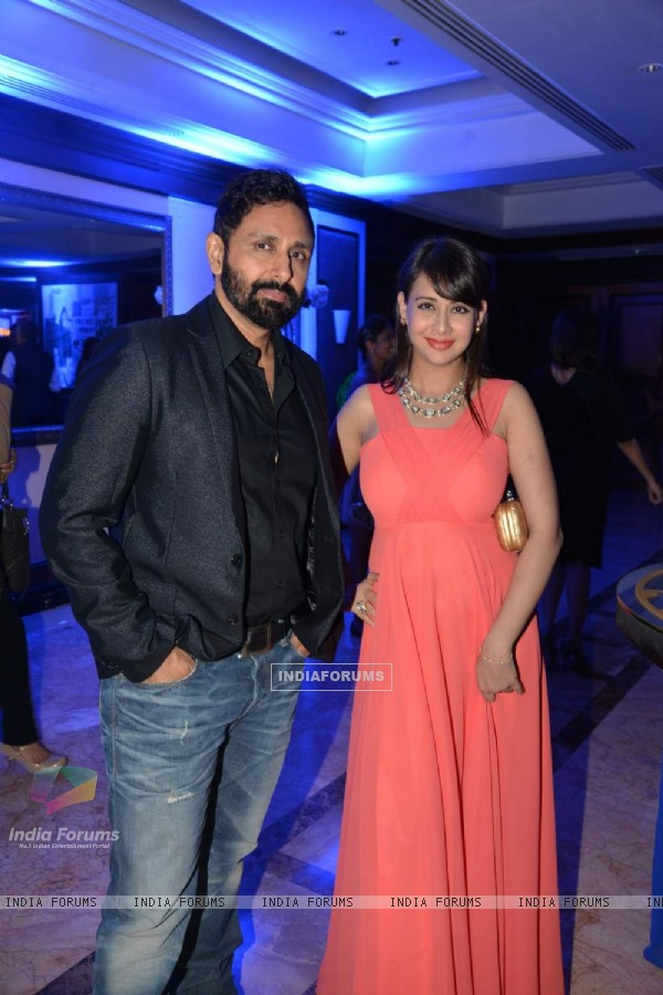 Parvin Dabas and Preeti Jhangiani poses at a Show by Anmol Jewellers