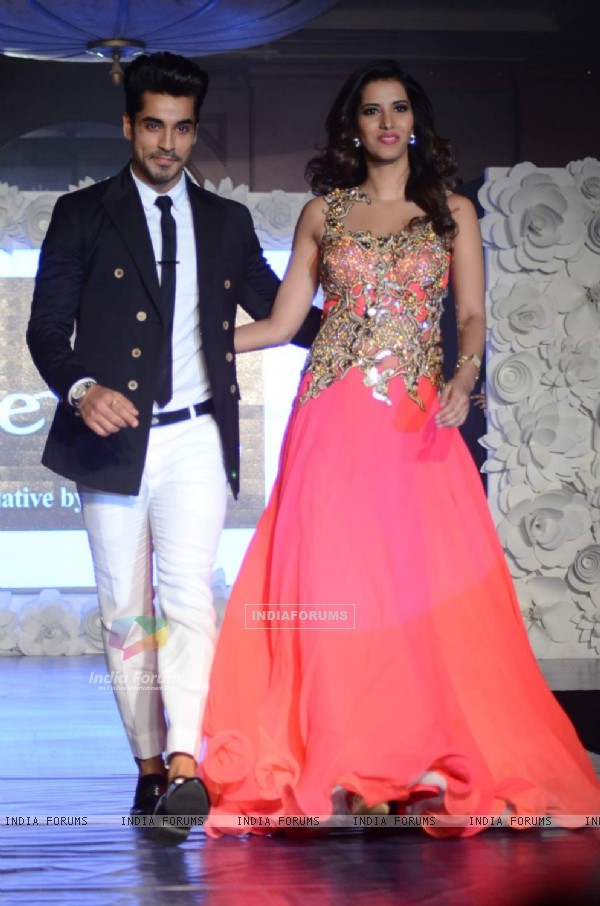 Gautam Gulati and MAnasvi Mumgai at The Beti Fashion Show 2015
