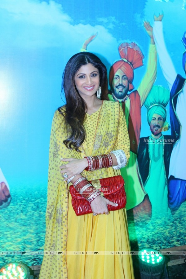 Pretty Shilpa Shetty for Baisakhi Celebration at Khalsa College