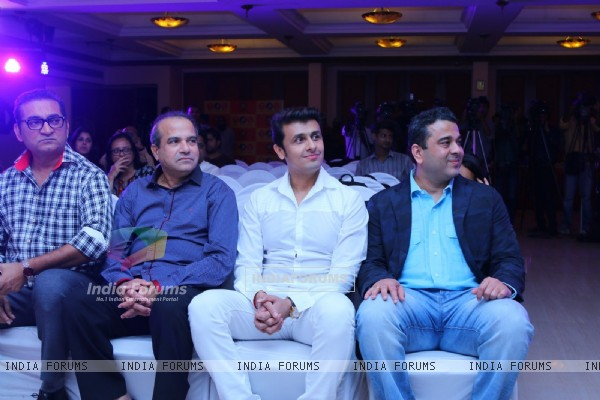 Sonu Nigam and Suresh Wadkar at IKL launch