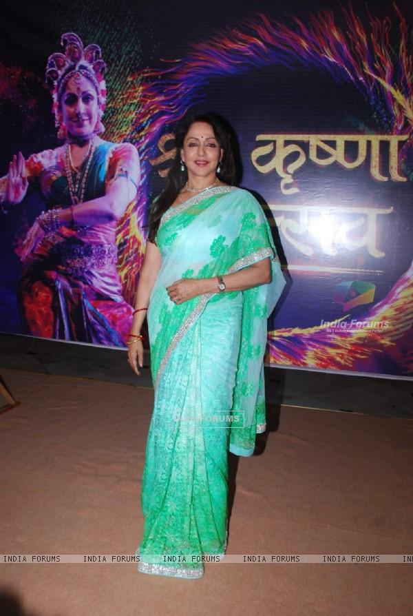 Hema Malini poses for the media at Mathura Mahotsav