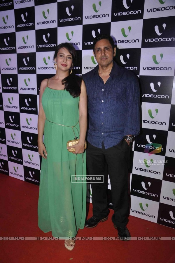 Preeti Jhangiani and Parvin Dabas pose for the media at Videocon Bash