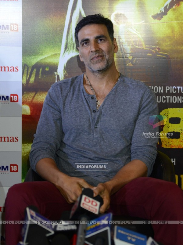Akshay Kumar Promoting of Gabbar Is Back in Noida