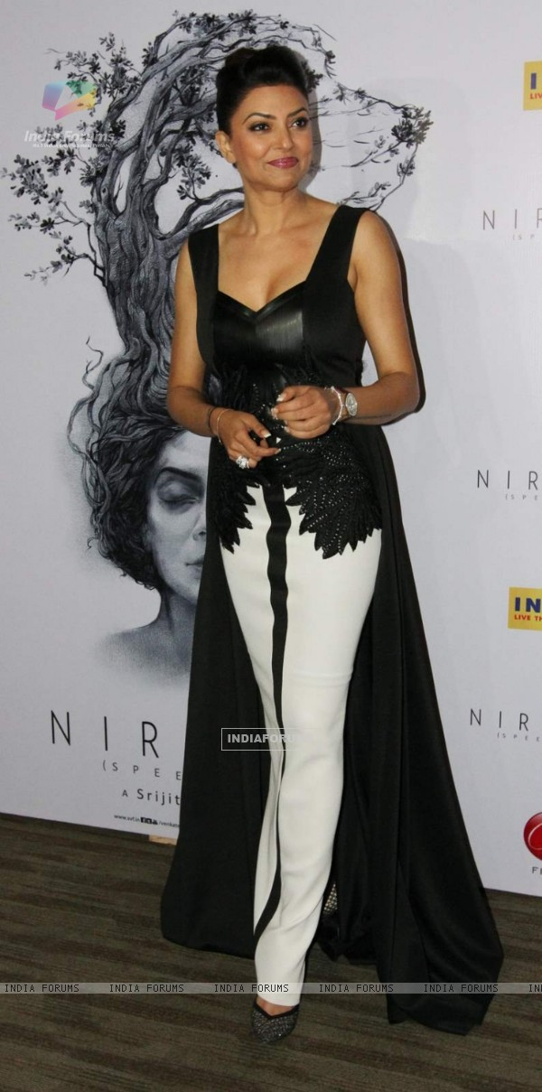 Sushmita Sen Snapped at the Premiere of her Film Nirbaak in Kolkatta