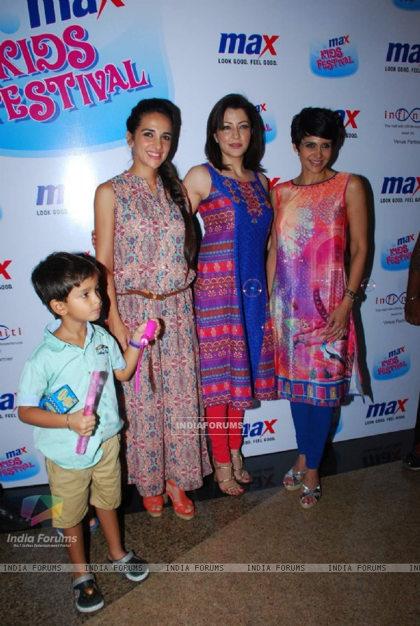 Tara Sharma, Aditi Gowitrikar and Mandira Bedi at Max Kids Fashion Show