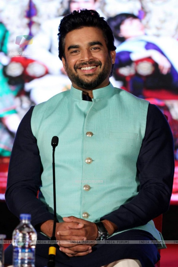 R. Madhavan at Promotions of Tanu Weds Manu Returns