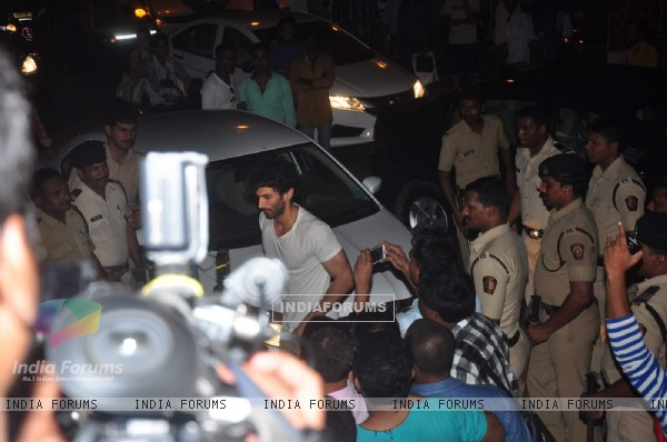 Aditya Roy Kapur Snapped at Salman's Residence (Galaxy Apartments)
