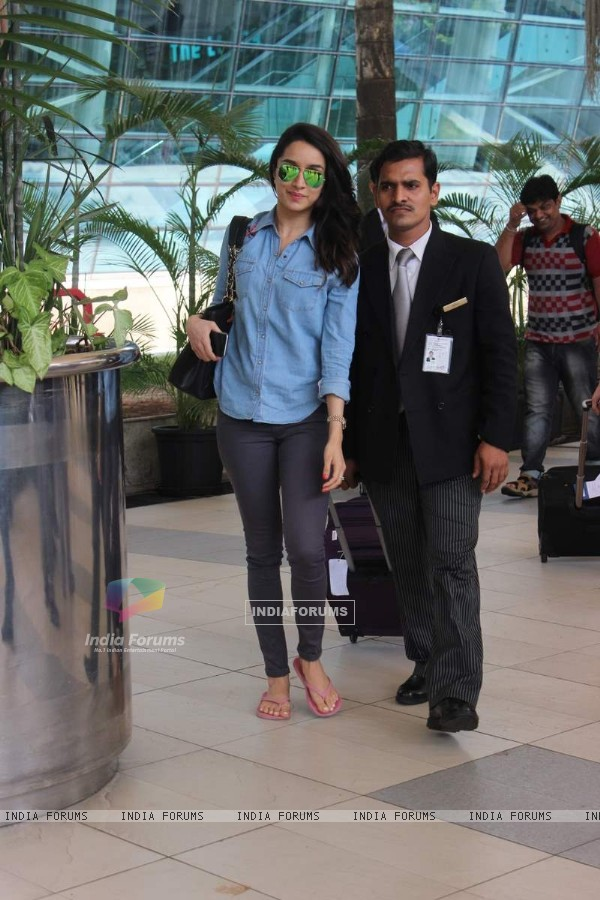 Shraddha Kapoor snapped at Airport