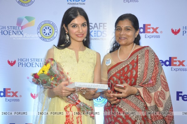 Divya Khosla felicitated at 'Safe Kids Day' Event