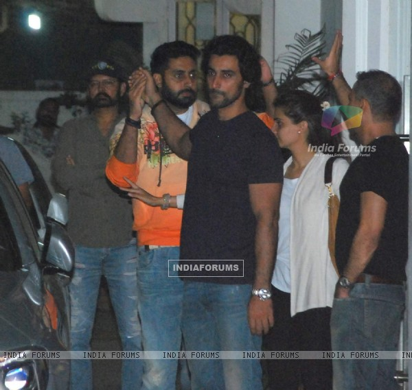 Kunal Kapoor Snapped at Piku Screeening