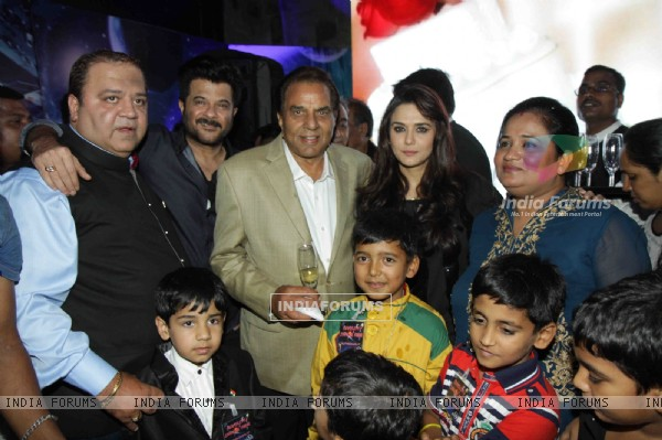 Kishor & Pooja Dingra's Son Aakash 7th Birthday Party