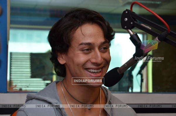 Tiger Shroff Promotes Zindagi Aa Raha Hoon Main on Red FM