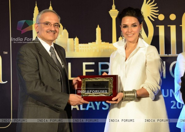 Neha Dhupia felicitated at IIFA Malaysia Press Meet