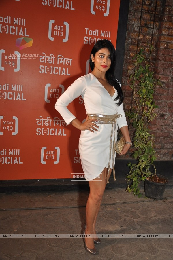 Shriya Saran at Launch of Todi Mill Social