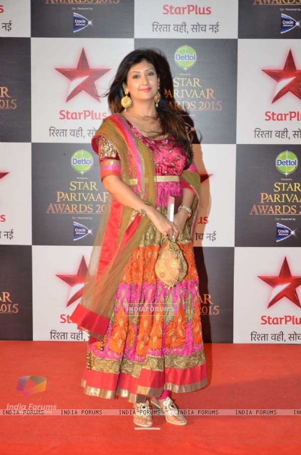 Juhi Parmar at Star Parivaar Awards 2015
