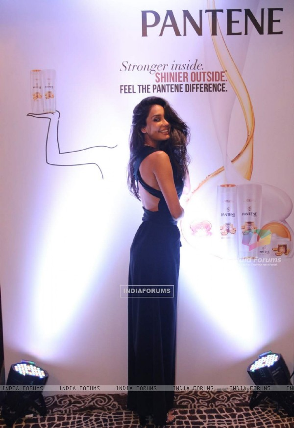 Lisa Haydon at Pantene Event