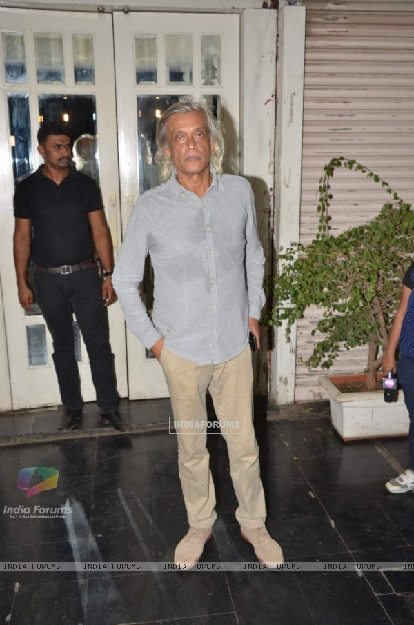 Sudhir Mishra at Mukesh Chhabra's Birthday Bash