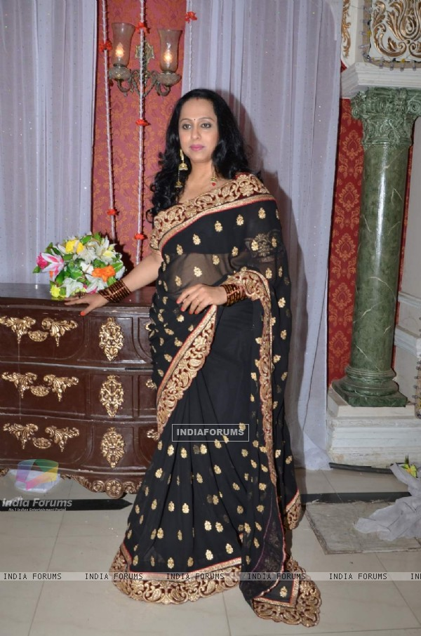 Vaishali Samant on the Sets of Marathi Film 'Tu Hi Re'