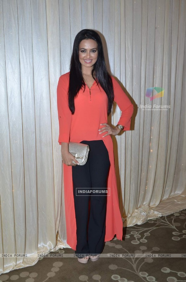 Sana Khan at Riyaz Gangji's Fashion Show