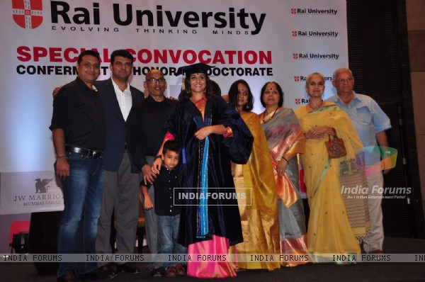 Vidya Balan Conferred with Degree of 'Doctor of Arts Honoris Causa'
