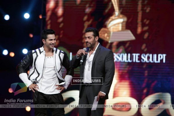 Varun Dhawan and Salman Khan at AIBA Awards