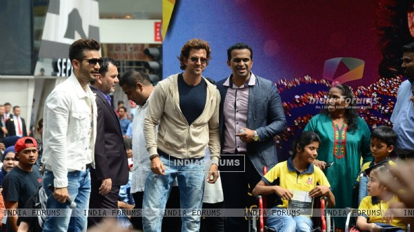 Hrithik Roshan poses for the media at Pavillion Mall in Malaysia