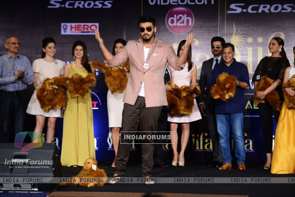 Arjun Kapoor poses for the media at IIFA 2015 Press Conference