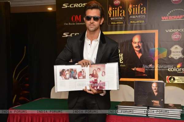 Hrithik Roshan Launches Book at IIFA
