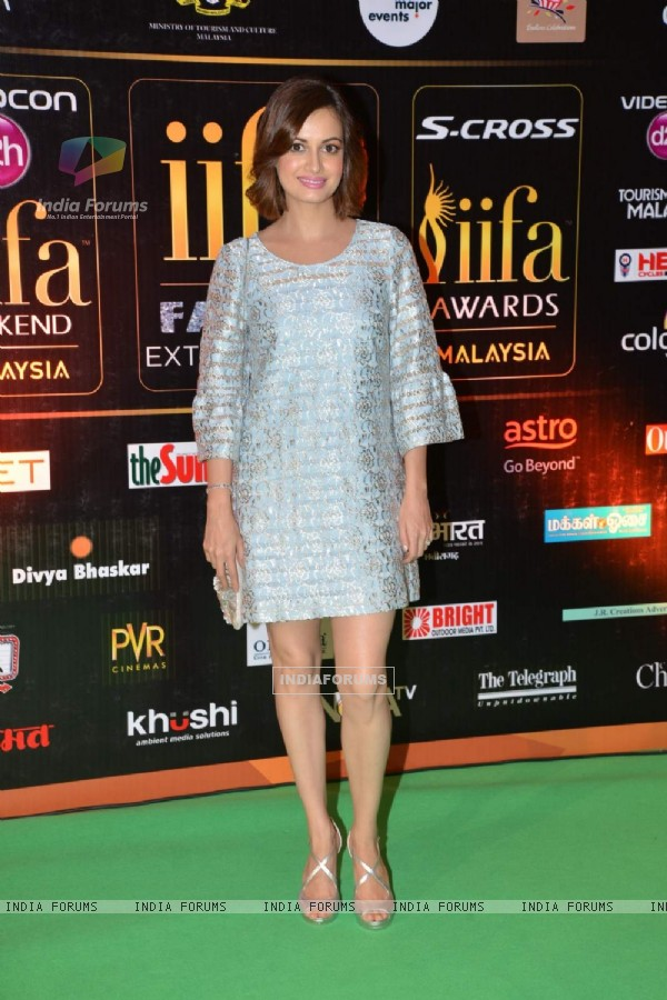 Dia Mirza poses for the media at IIFA 2015 Day 2
